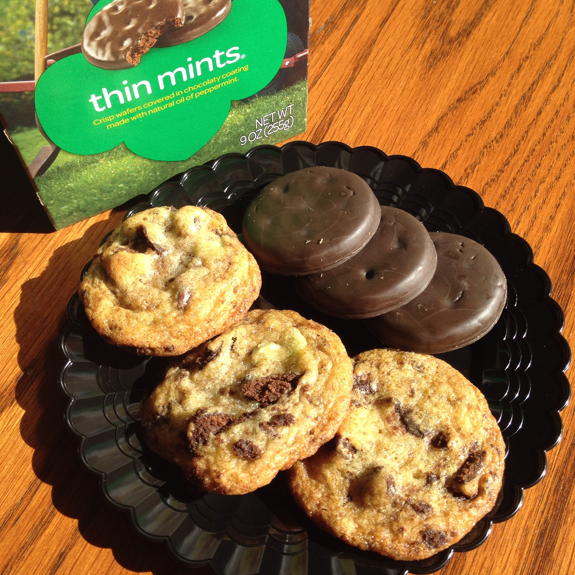 Girl Scout Thin Mint Chocolate Chip Cookies. Recipe at cinenoms.wordpress.com.